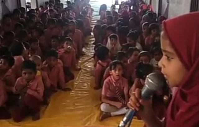 स्कूल के बच्चों ने बताया मतदान का महत्व