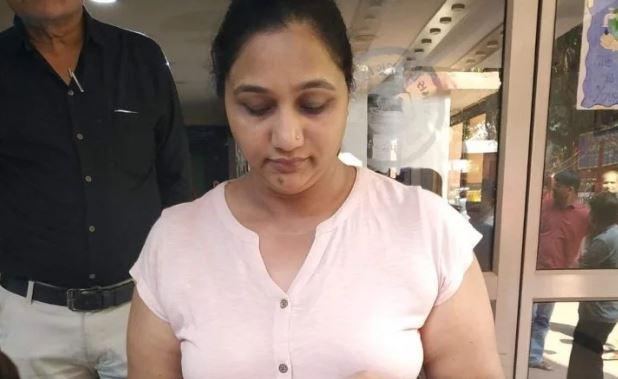 खुद को PM मोदी की भतीजी बता रही महिला से ऑटो उतारते ही छीना बैग!