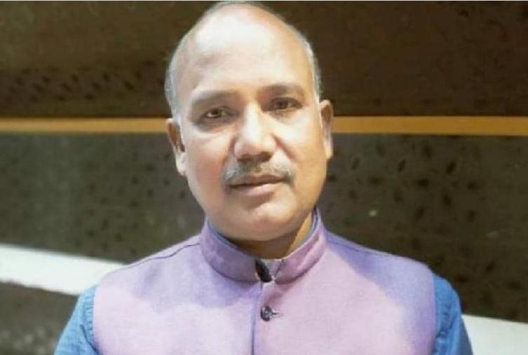 BJP नेता को बदमाशों ने घेरकर गोलियों से भूना